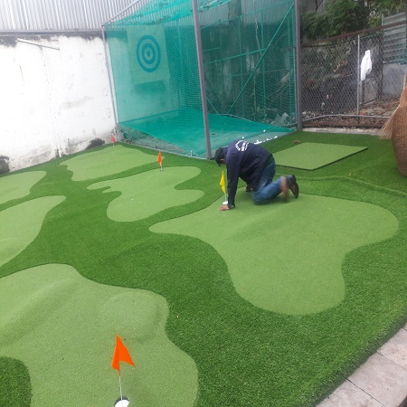 khung luoi tap golf co luoi san